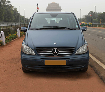 Mercedes Viano front view