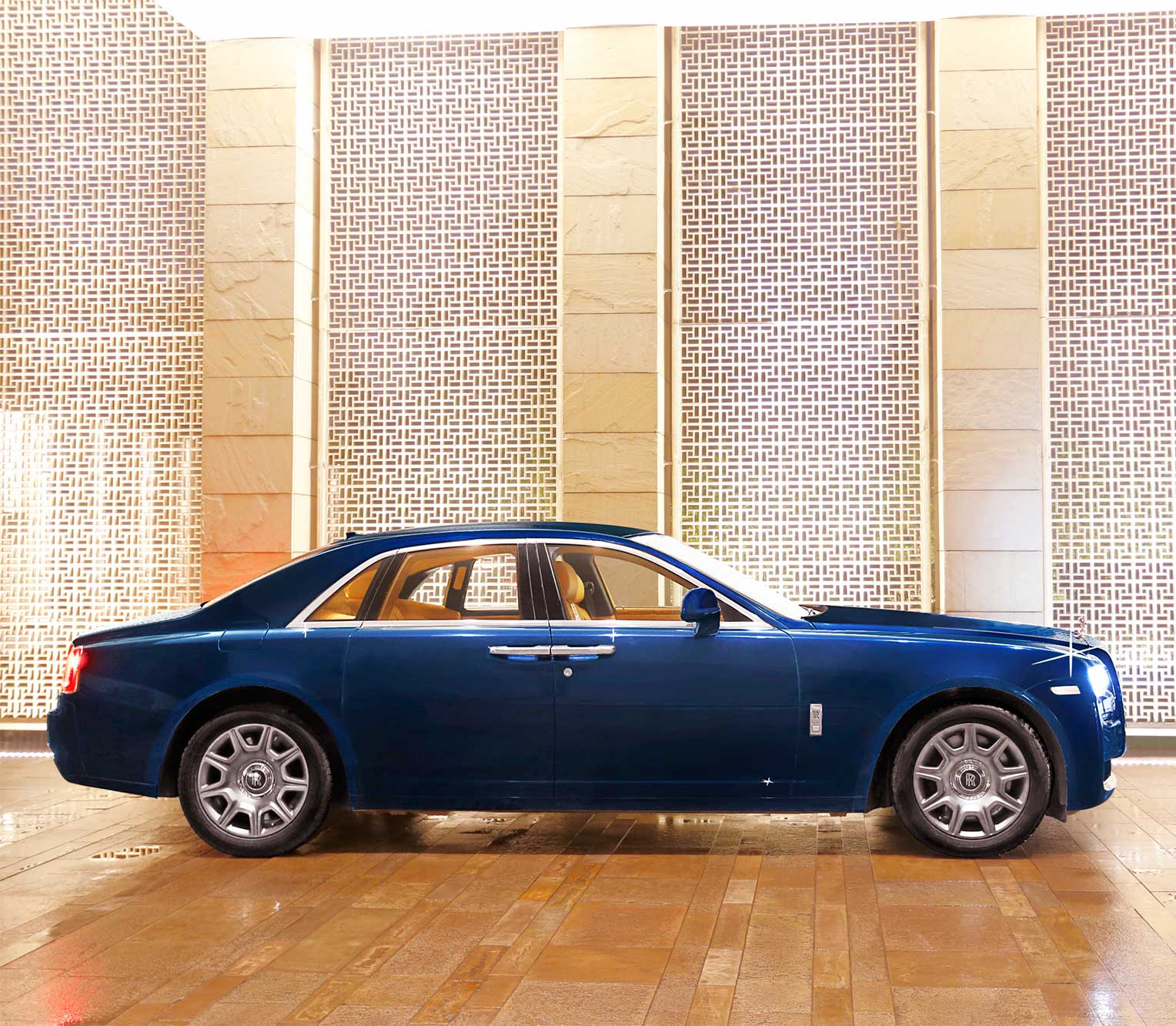 Rolls Royce Ghost 2 side view